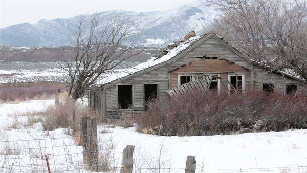 Old Wooden Sheds On A Utah Country Farm Abandoned Chicken
