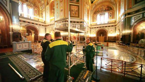 Moscow Mar 1 Workers Build Scaffolding Inside Cathedral Of D25416539