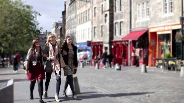 Girlfriends out and about in the city Royalty-free stock video