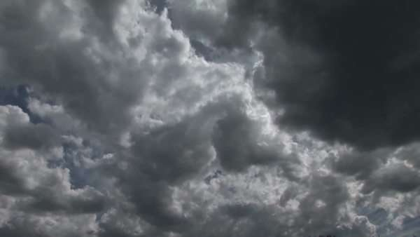 Storm clouds scuttle across the sky. Royalty-free stock video