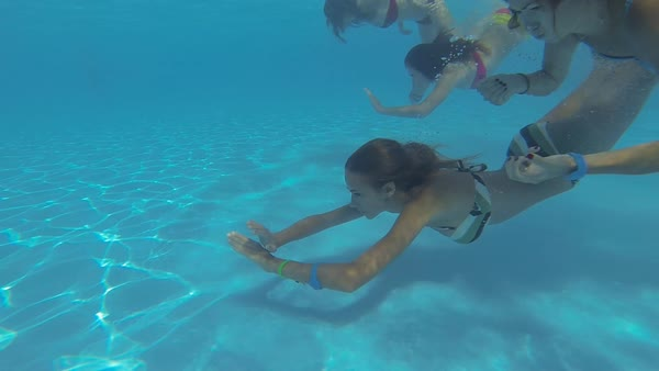 Bikini scuba pool underwater
