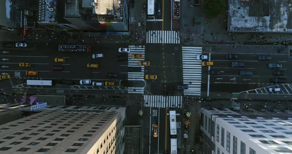 Top view shot of traffic at an intersection in New York City Royalty-free stock video