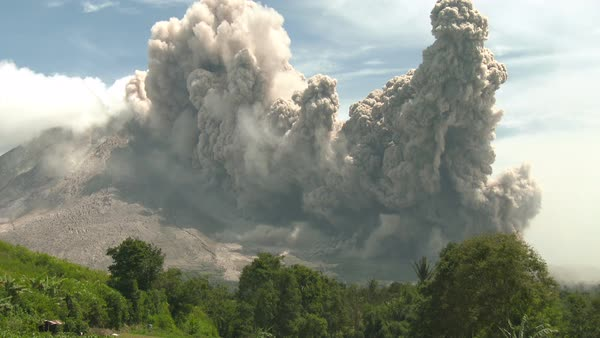 Huge volcanic eruption and pyroclastic flow Royalty-free stock video