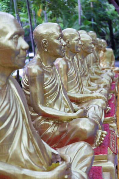 Close-up of golden statues at Wat Pho Royalty-free stock photo
