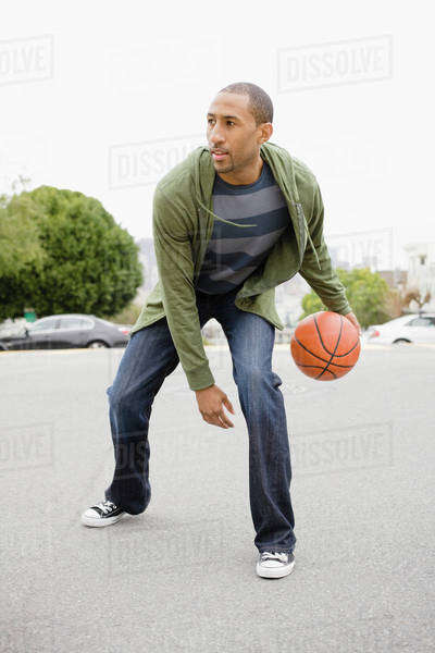 African American man playing basketball Royalty-free stock photo