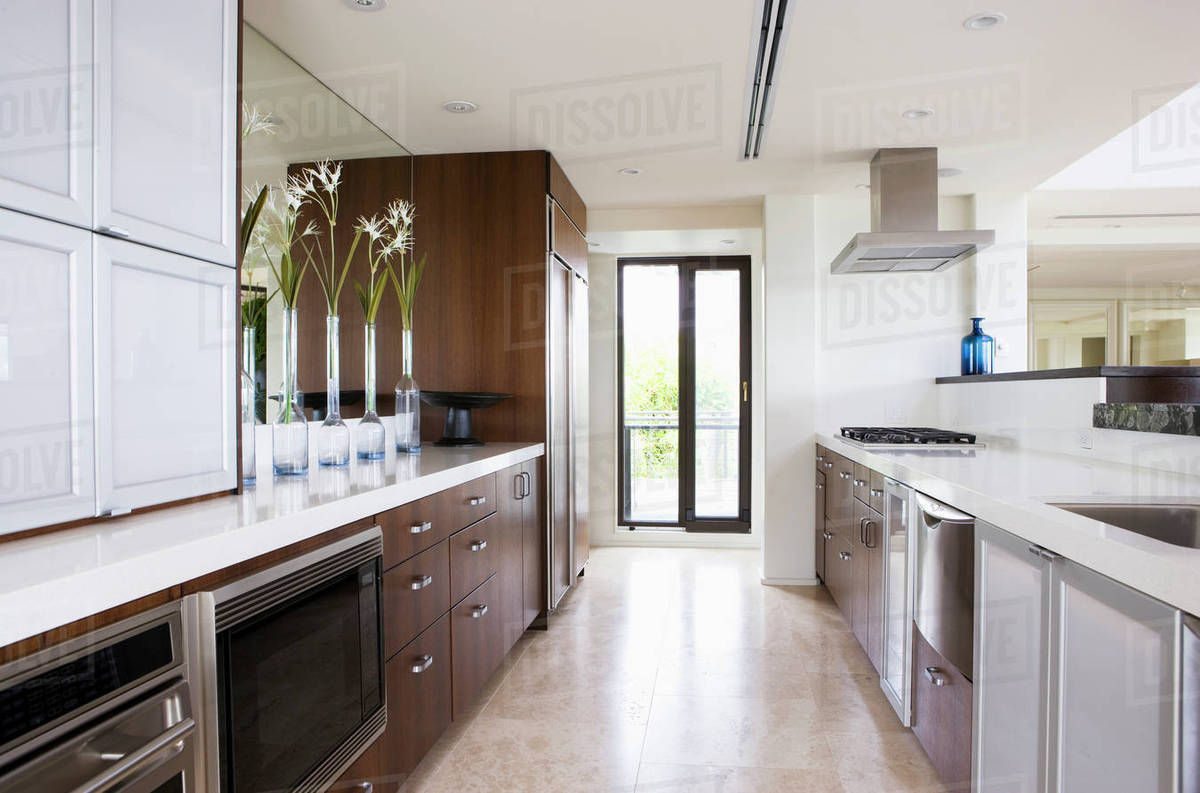Clean Contemporary Kitchen With Wooden Cabinets D145 200 732