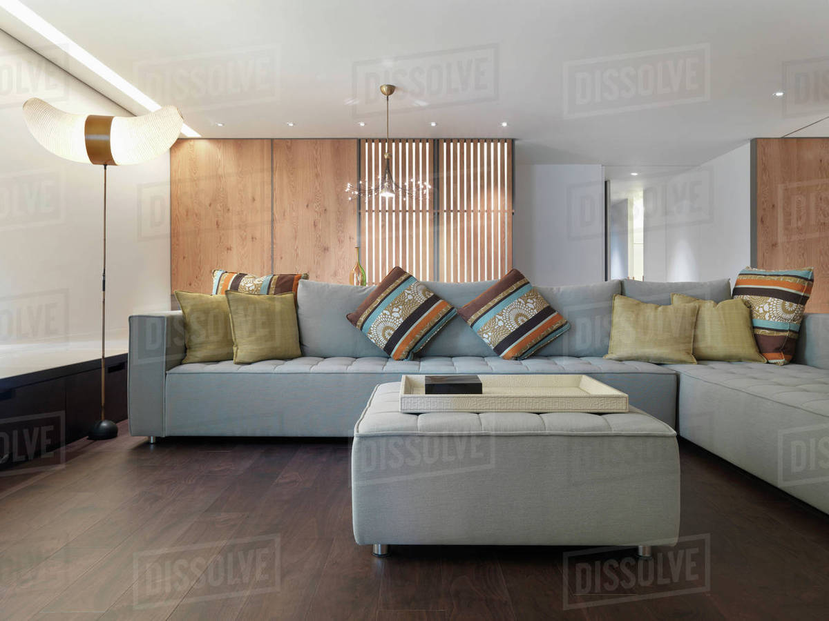 Sectional Sofa With Colorful Throw Pillows D145 202 702