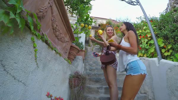Girlfriends travelling in beautiful Italy Royalty-free stock video