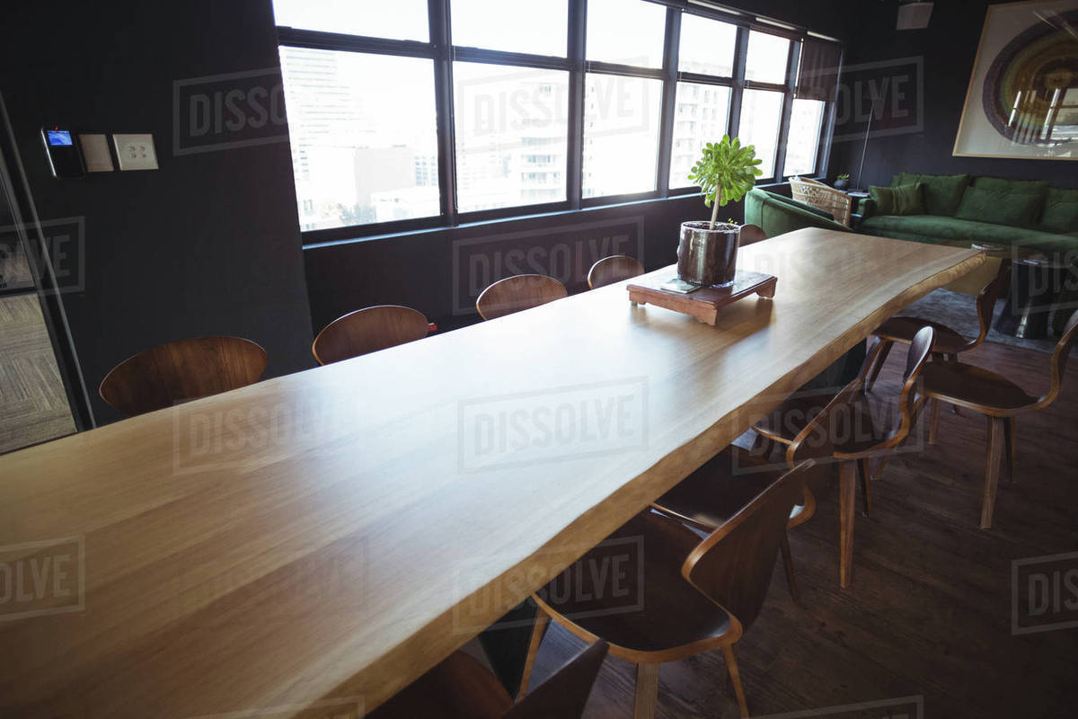 Long Table In The Seating Area At Office D23 26 516