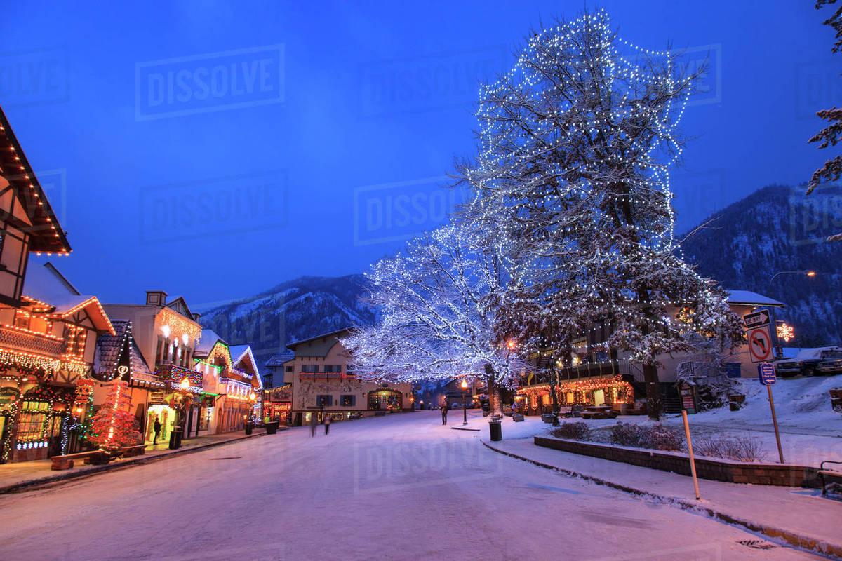 christmas lighting festival leavenworth bavarian alpine village eastern washington state usa