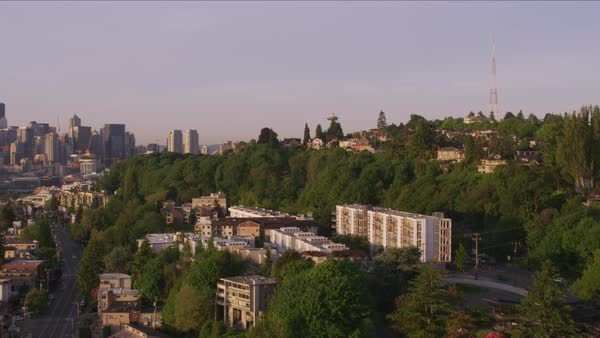 Reveal Space Needle and downtown from Queen Anne.   Royalty-free stock video