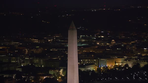 Zoom out from Washington Monument to reveal White House and city.   Royalty-free stock video