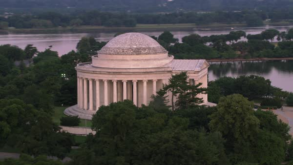 Aerial view of the Jefferson Memorial.    Royalty-free stock video