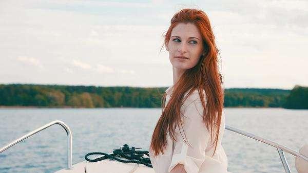 Tall pale redhead — pic 10