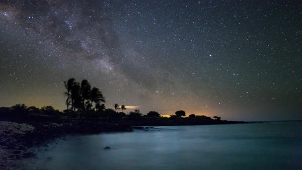 Southern Milky Way timelapse on a beach in Hawaii Royalty-free stock video