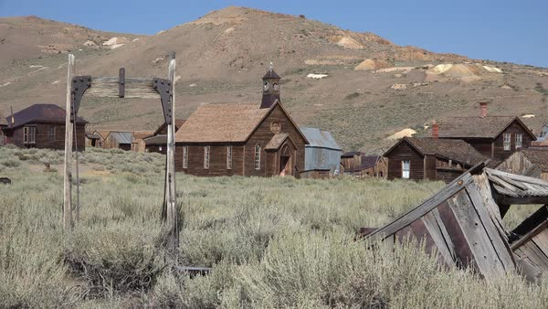 Wide establishing shot of the old California ghost town of Bodie. Royalty-free stock video