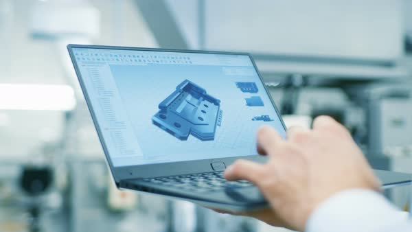 Close-up of the engineer holding laptop with CAD component model on screen Royalty-free stock video