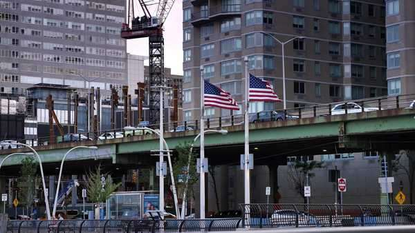 An establishing shot of the East River Esplanade. Royalty-free stock video