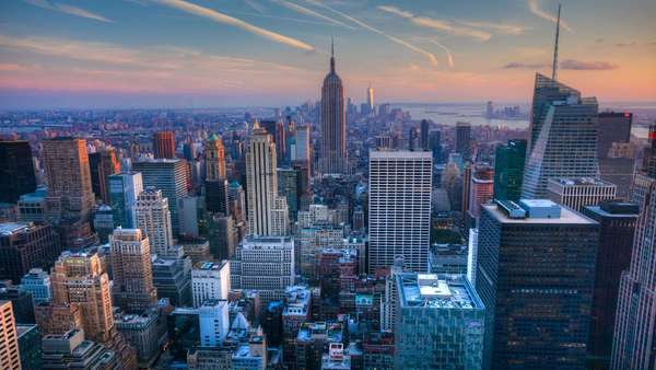 A beautiful timelapse of nightfall in the heart of Manhattan Royalty-free stock video