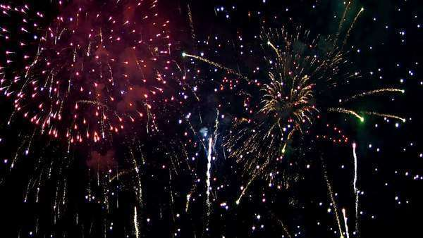 Fireworks exploding in the sky - with audio Royalty-free stock video