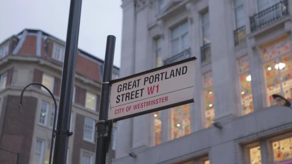 Hand-held shot of a street sign in London Royalty-free stock video