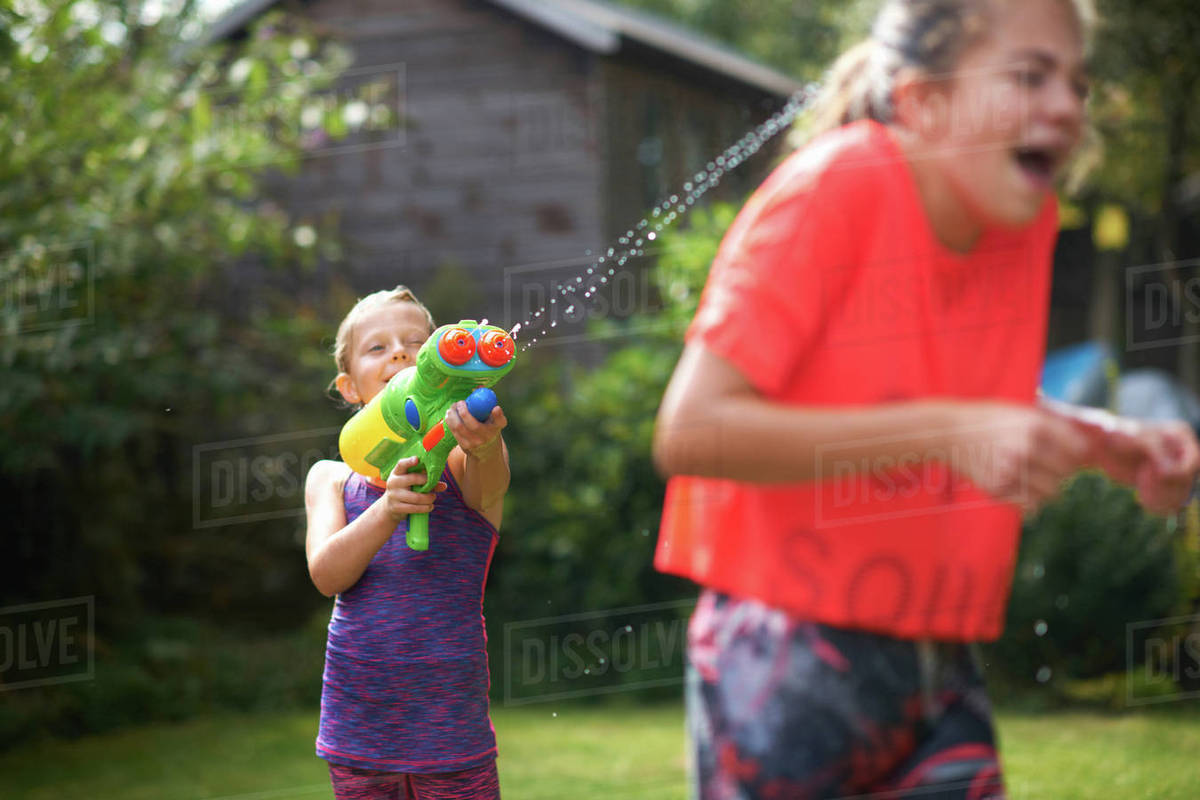 female-squirting-squirt-gun