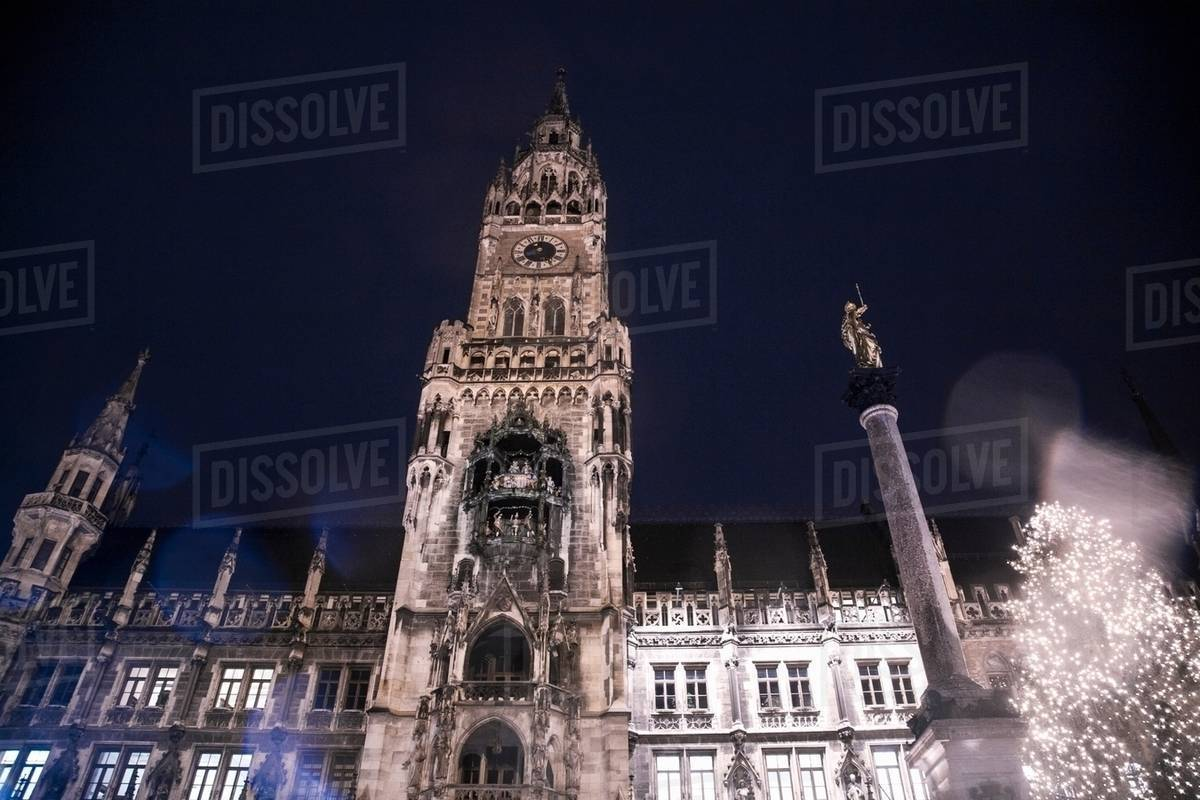 Christmas In Munich Germany.The New Rathaus Town Hall And Christmas Tree At Night Munich Germany Stock Photo