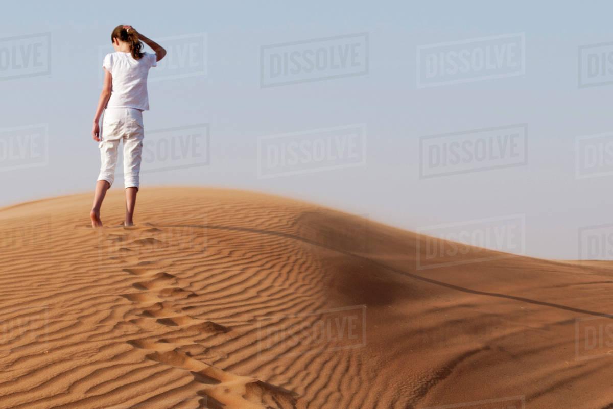 Sand dune girls